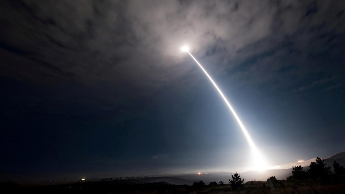 """Trump se jacta del """"tremendo número de misiles superrápidos"""" que EE.UU. tiene para contrarrestar a Rusia y China"""