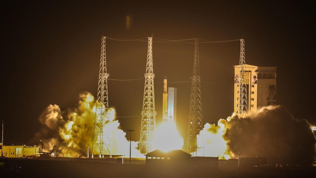 """Explosión masiva y el ciberataque """"más extendido"""" en la historia del país: nuevos detalles del fallido lanzamiento del satélite iraní"""