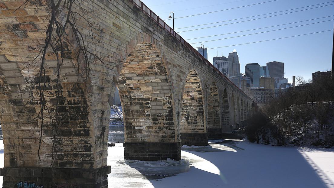 Un hombre termina atrapado en un río congelado y culpa a Google Maps