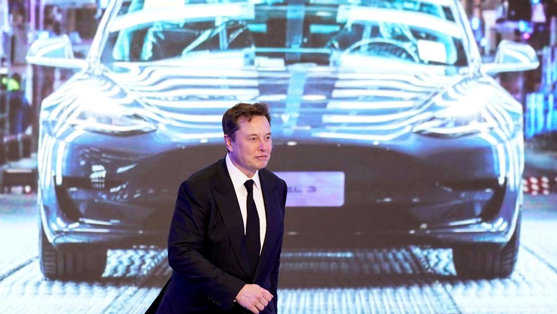 Elon Musk revela un detalle importante que hay que tener en cuenta si quiere comprar un coche a gasolina