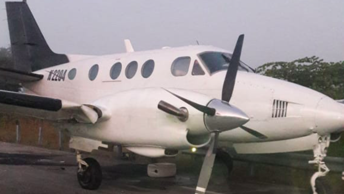 VIDEO: Ejército mexicano intercepta una avioneta con droga, y lo graban desde el aire