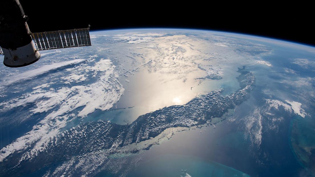 Comandante de la Fuerza Espacial de EE.UU. acusa a 2 satélites rusos de espiar a su multimillonario aparato espía USA 245