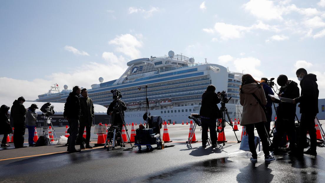 Asciende a 218 el número de infectados por el coronavirus en el crucero en cuarentena en Japón