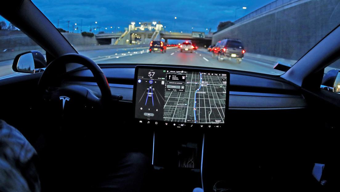 'Hackean' vehículos Tesla de segunda mano a los que la compañía había bloqueado paquetes adicionales