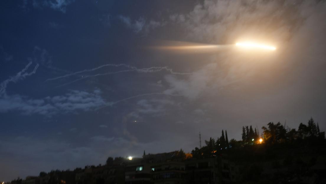 Reportan que la defensa antiaérea siria repele un ataque contra Damasco perpetrado por Israel (VIDEO)