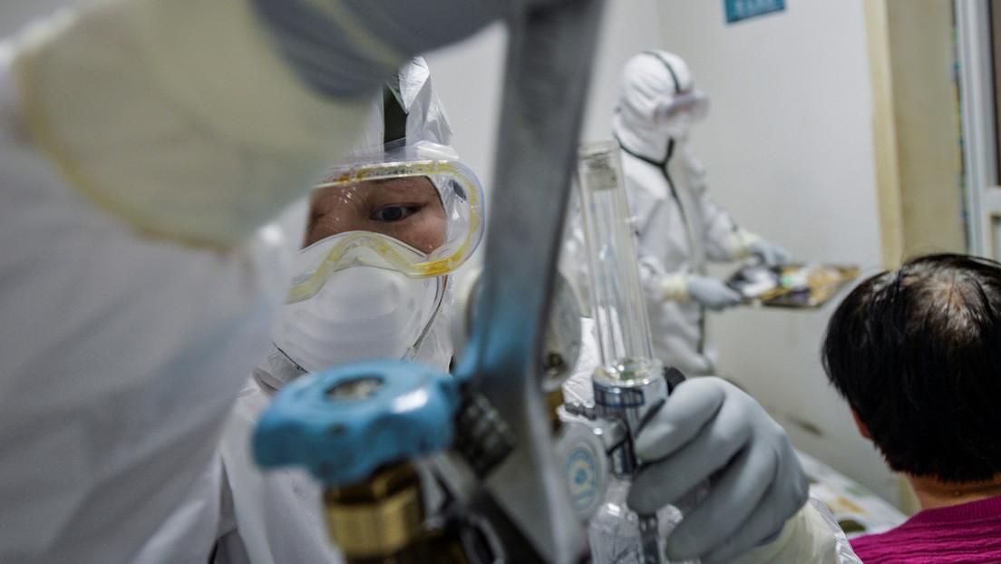 Médicos chinos hallan anticuerpos que ayudan a tratar el coronavirus