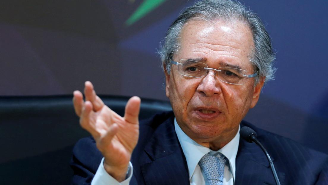 """Ministro de Economía de Brasil justifica la devaluación y desata la polémica: """"Antes todo el mundo iba a Disney, hasta las empleadas domésticas"""""""