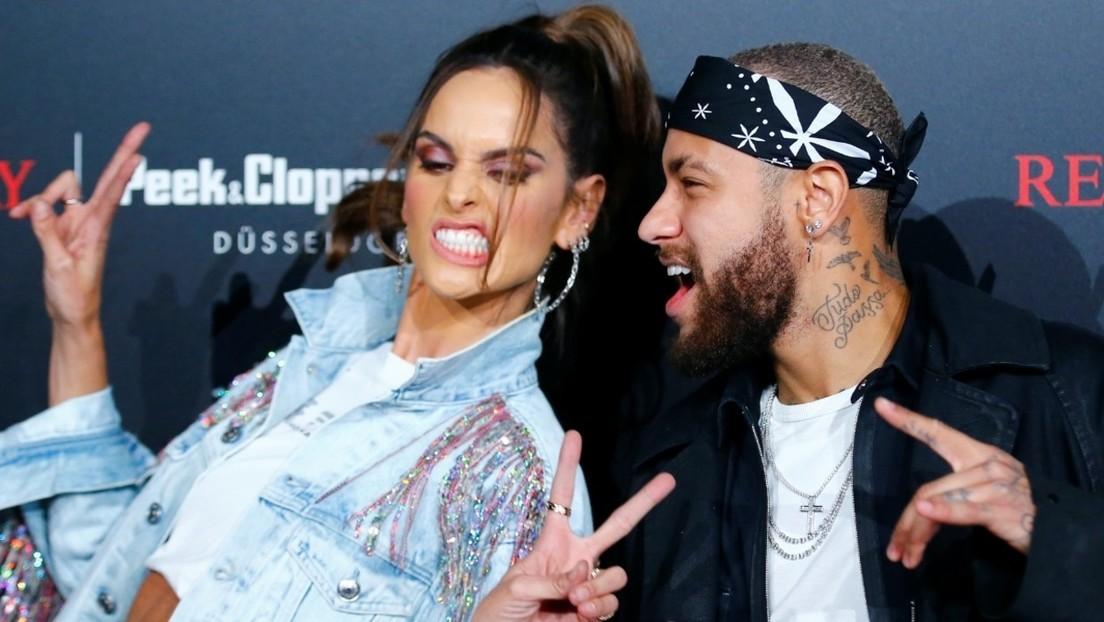 Polémica por la participación de Neymar en un evento de moda en medio de su recuperación antes de los octavos de final de la Liga de Campeones