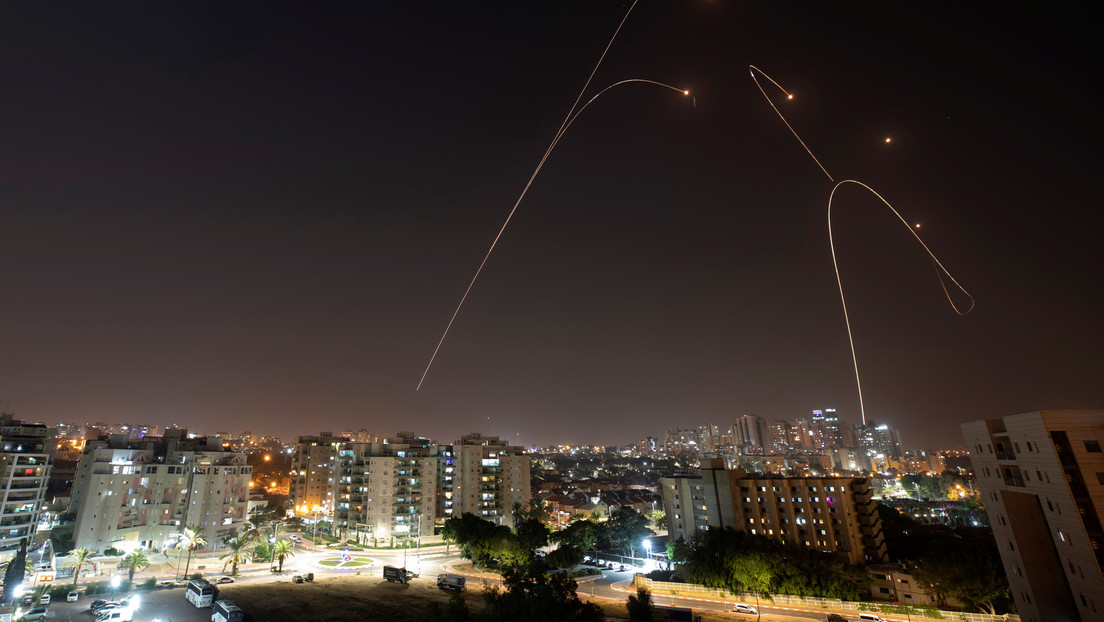 Israel realiza un ataque contra emplazamientos de Hamás en la Franja de Gaza, en respuesta al lanzamiento de dos misiles
