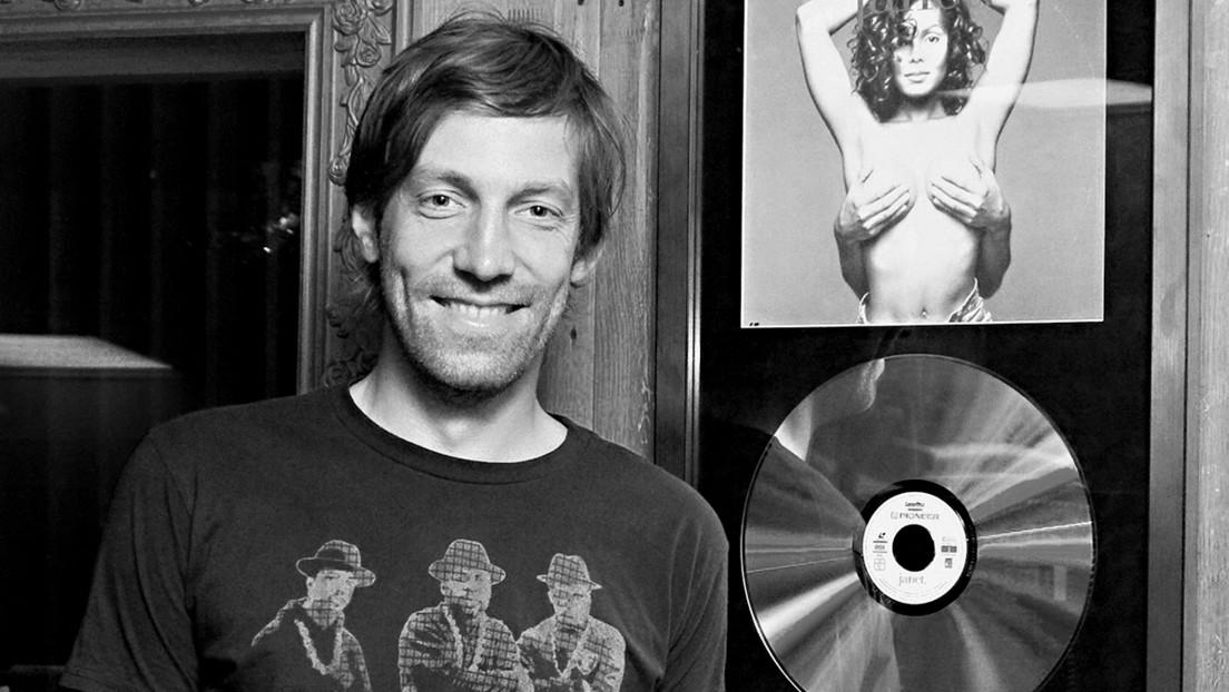 Muere un famoso DJ ruso al ser arrastrado al mar junto con su esposa por una ola gigante en Australia