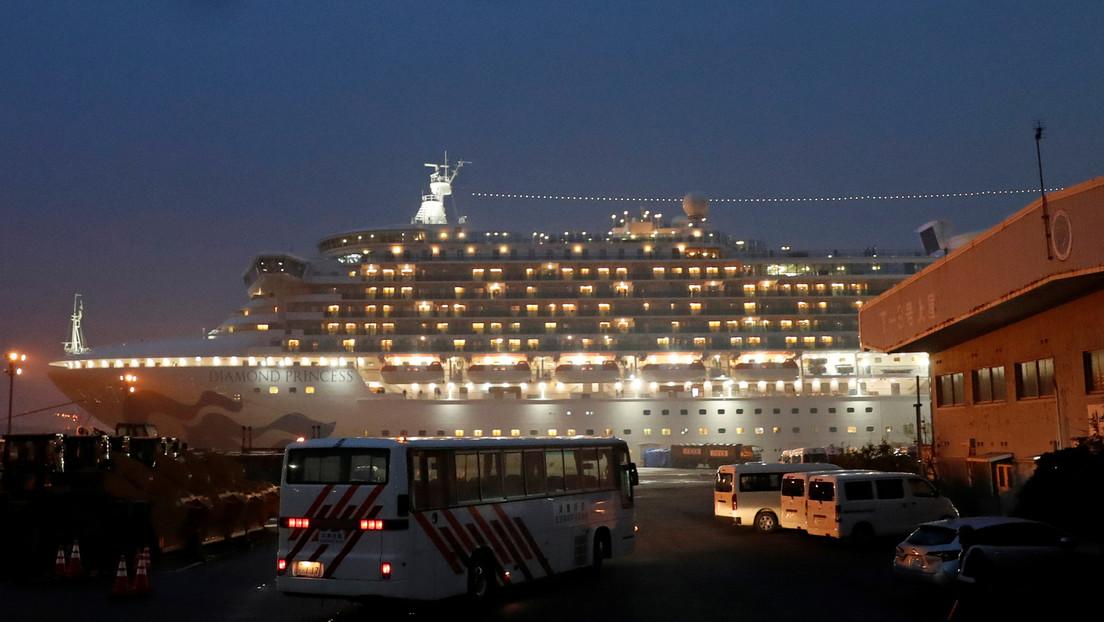 Se eleva a 355 el número de infectados con el coronavirus en el crucero en cuarentena en Japón