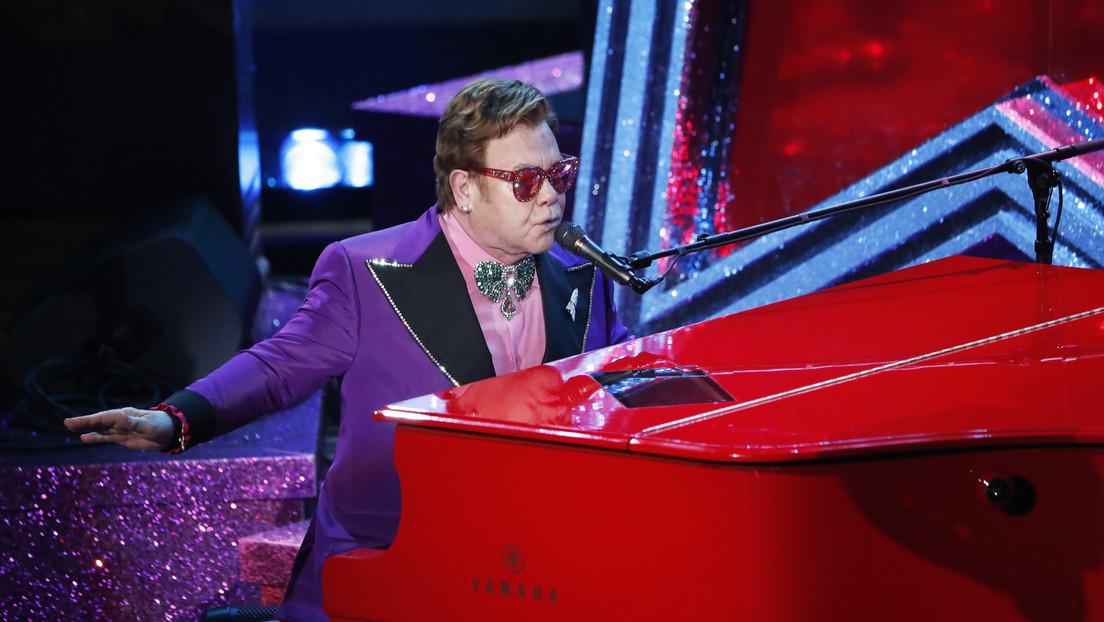 VIDEO: Elton John interrumpe su concierto entre lágrimas y anuncia que tiene neumonía