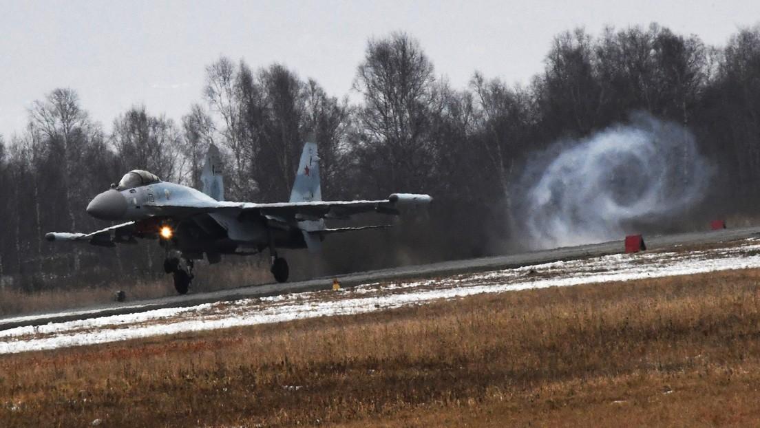 VIDEO: Maniobras de los cazabombarderos rusos Su-35S en primera persona