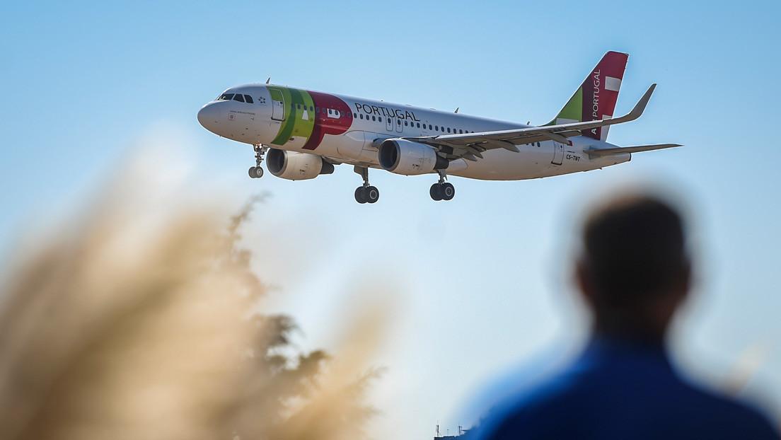 """Venezuela suspende por 90 días las operaciones de la aerolínea TAP, luego de las """"graves irregularidades"""" en el vuelo que retornó a Guaidó"""
