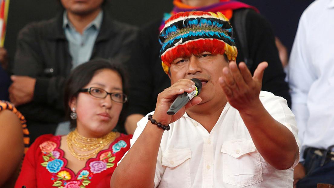 """Un representante indígena se autodenomina """"segundo mandatario"""" de Ecuador, en medio de una confusa """"expulsión"""" de Guatemala"""