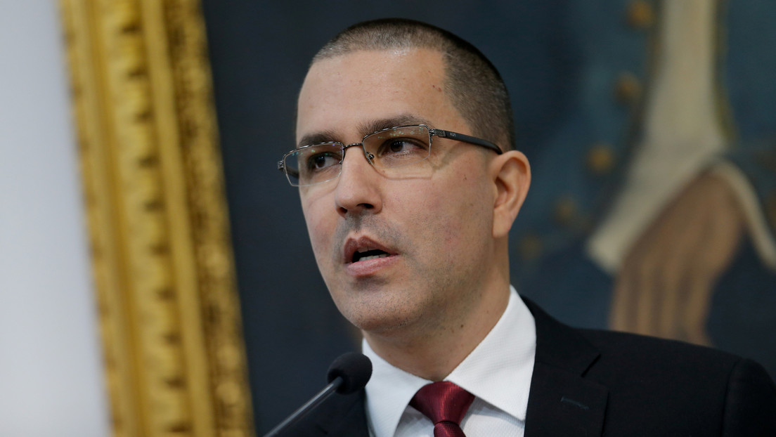 """Venezuela califica de """"arbitrarias"""" las sanciones de EE.UU. contra Rosneft"""
