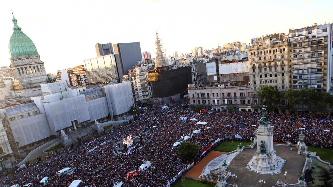 Argentina se moviliza a un mes del asesinato de Fernando Báez, el joven salvajemente golpeado por 10 jugadores de rugby