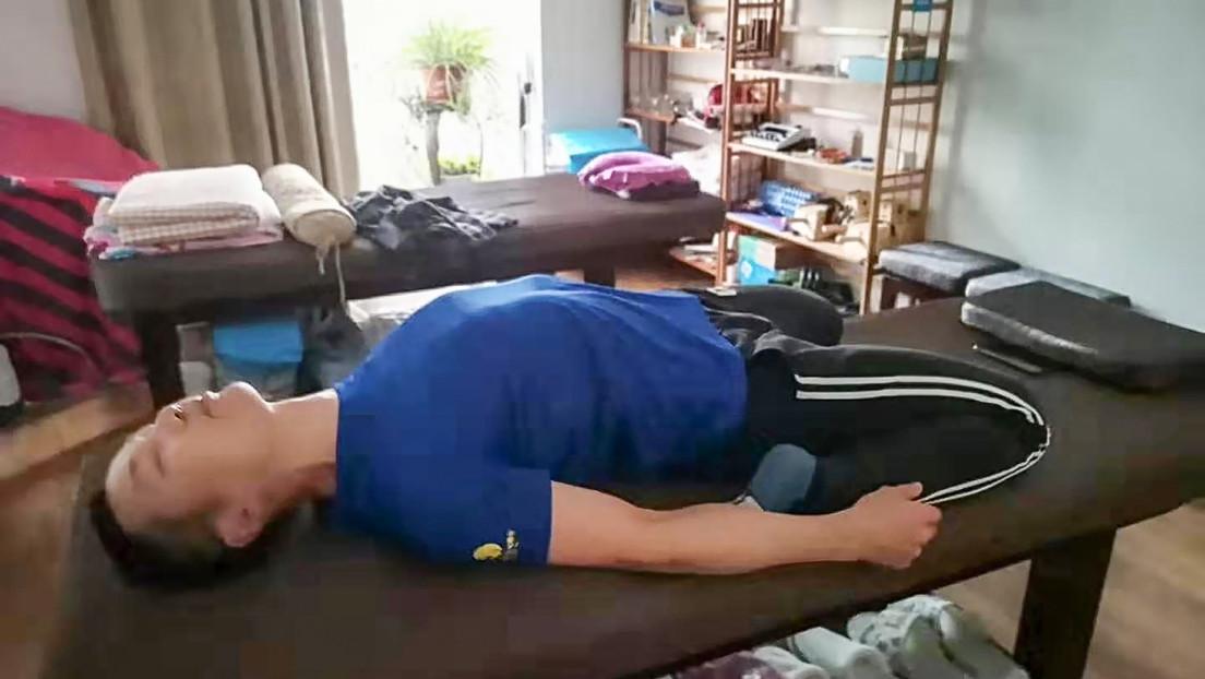 VIDEO: Un corredor de maratones chino corre 50 kilómetros dentro de su apartamento durante la cuarentena por coronavirus