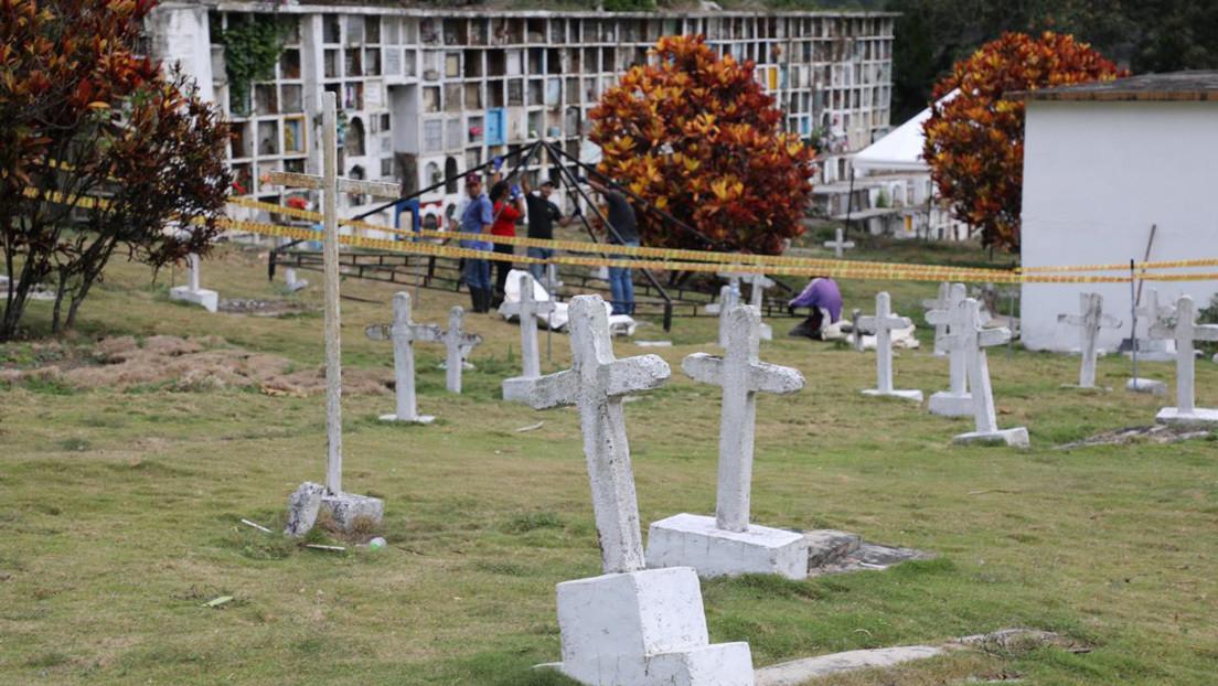 El cuerpo de un niño, entre las 10 víctimas de ejecuciones extrajudiciales exhumadas en Colombia thumbnail