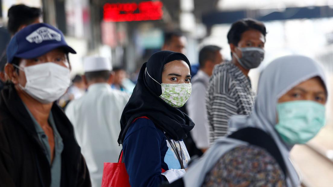 'Líbranos del mal': el ministro de Salud de Indonesia explica que su país no registra casos de coronavirus gracias a los rezos