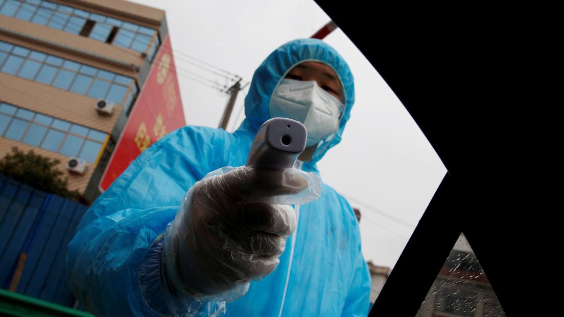 Aumentan a más de 2.100 los muertos por el coronavirus en todo el mundo