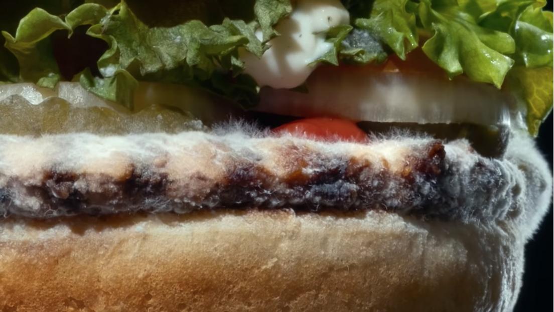 VIDEO: Burger King lanza un anuncio con una Whopper cubriéndose de moho (y la idea no es tan absurda)