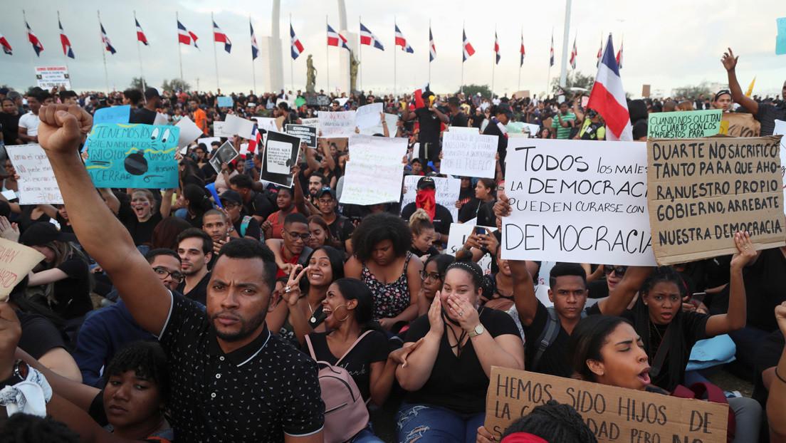 Crecen las protestas en República Dominicana tras la suspensión de las elecciones municipales