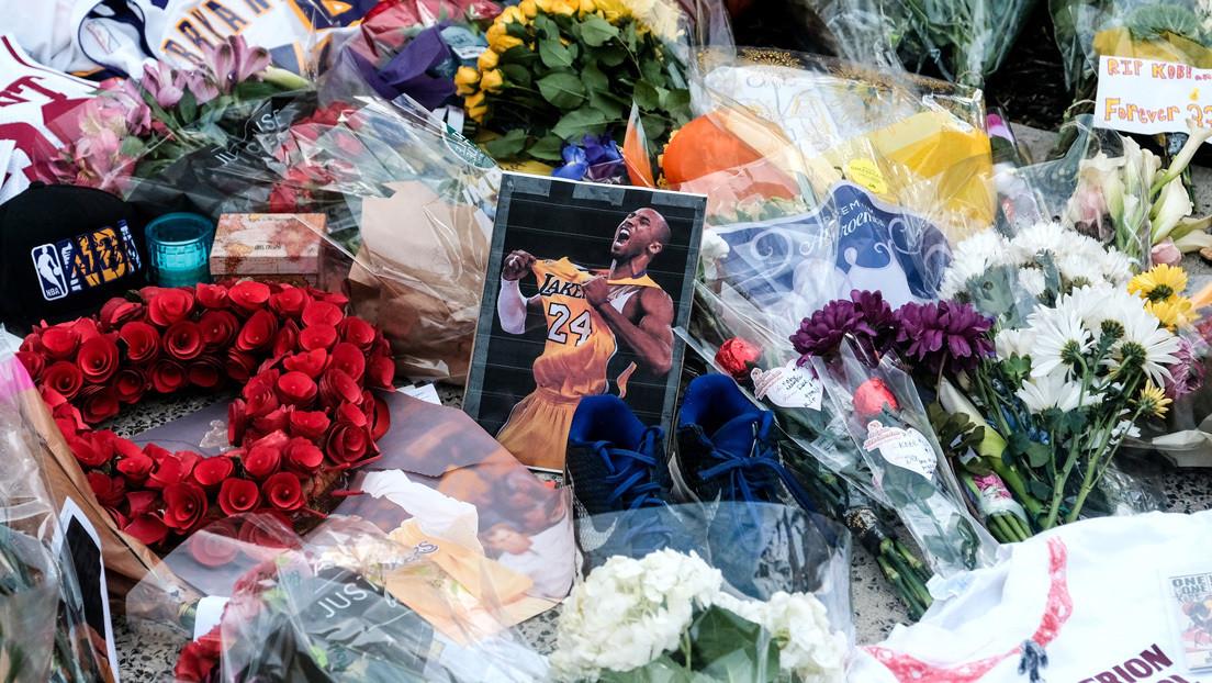 Fanáticos de Kobe Bryant le rinden tributo en la tumba equivocada