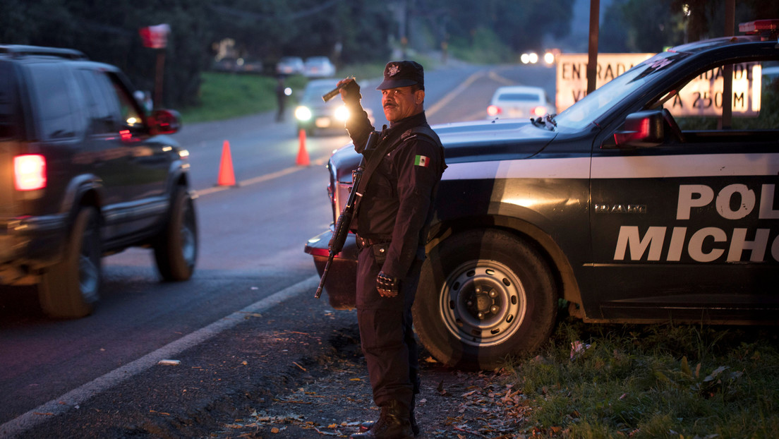 México: Encuentran 24 cadáveres desmembrados en una fosa clandestina en Michoacán