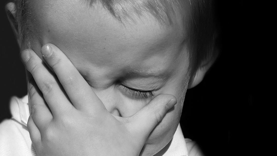 """""""Quiero que alguien me mate"""": el video de un niño que sufre acoso escolar conmociona a las redes y recaudan 200.000 dólares para apoyarlo"""