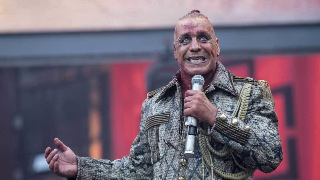 Líder de Rammstein graba un videoclip pornográfico con actrices rusas y estas sufren una ola de acoso en la Red