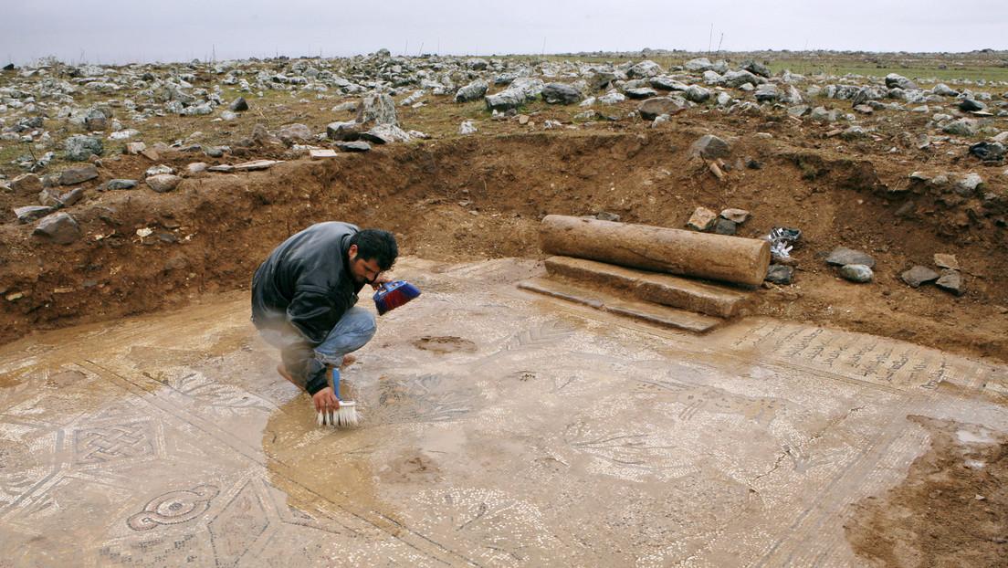 Hallan un cementerio de hace 3.000 años bajo un campo de fútbol en Bélgica