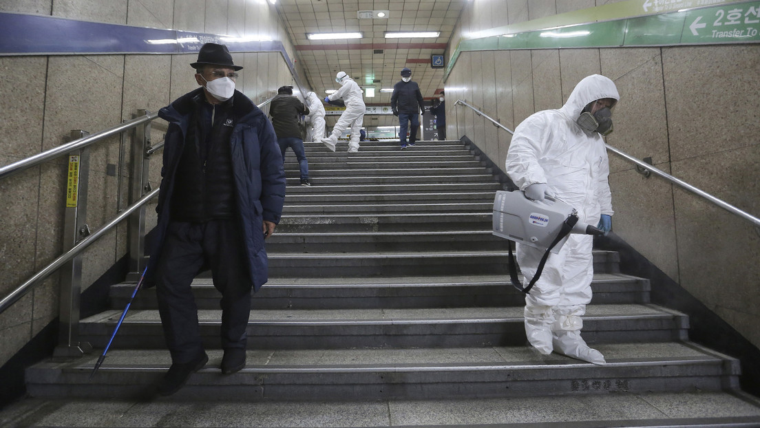 La mitad de los casos de coronavirus de Corea del Sur están relacionados con una secta religiosa