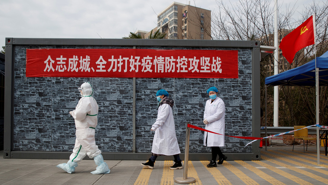 Ascienden a más de 2.400 las víctimas mortales por el coronavirus