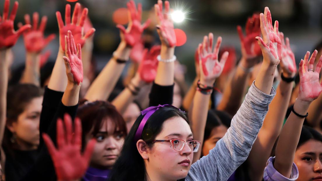 La lucha feminista se impone en México entre un presidente sin propuestas y el cinismo de la oposición