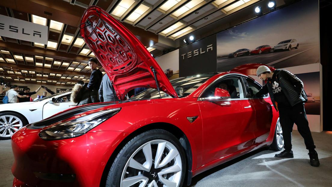"""Desmontan un Model 3 y descubren """"el arma más grande"""" de Tesla que aterroriza a la competencia"""