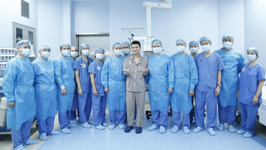 Realizan en Vietnam el primer trasplante en el mundo de un brazo entre dos pacientes vivos