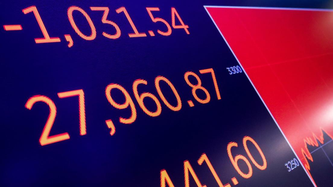 El índice Dow Jones cae más de 800 puntos en medio del pánico por el coronavirus