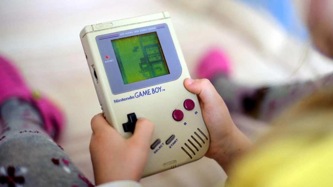 Nintendo recuperó de sus almacenes una vieja Game Boy para 'rescatar' a una mujer de 95 años cuya consola dejó de funcionar