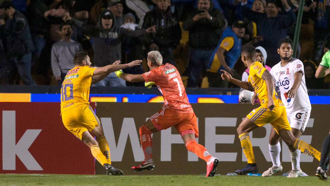 VIDEO: Guardameta anota un golazo de cabeza en el último minuto y clasifica a su equipo a los cuartos de final de la Champions de la Concacaf