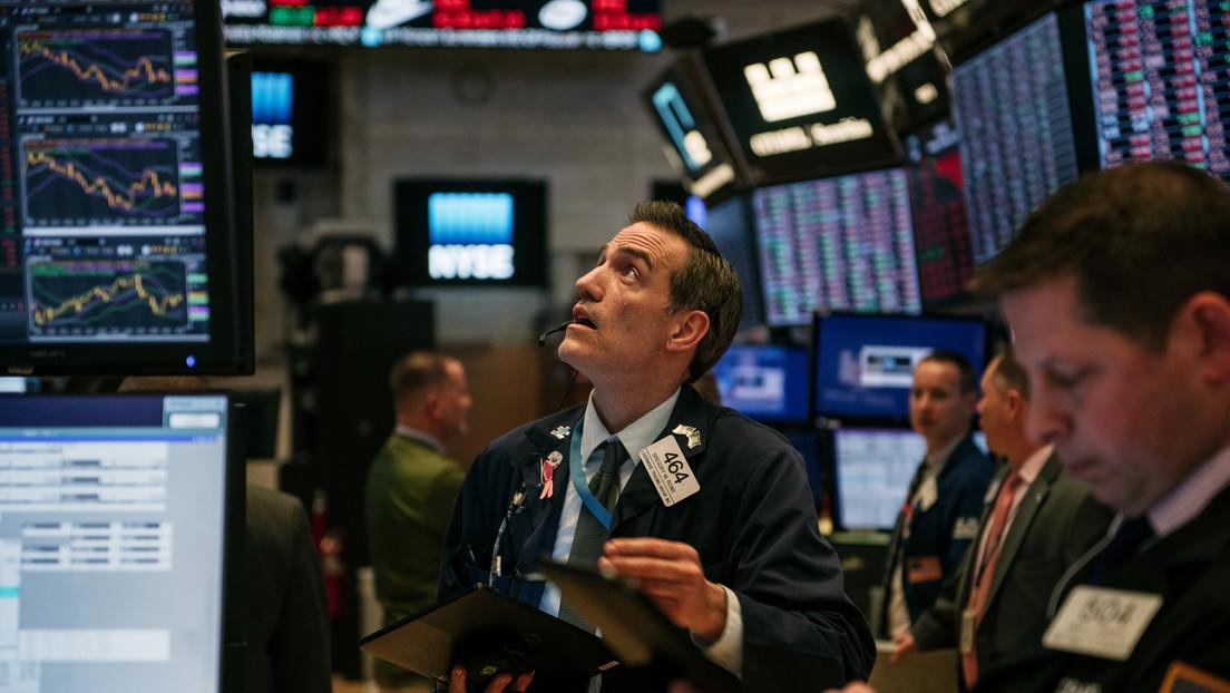 El índice Dow Jones cae más de 500 puntos en medio del temor de los inversores por la propagación del coronavirus en EE.UU.