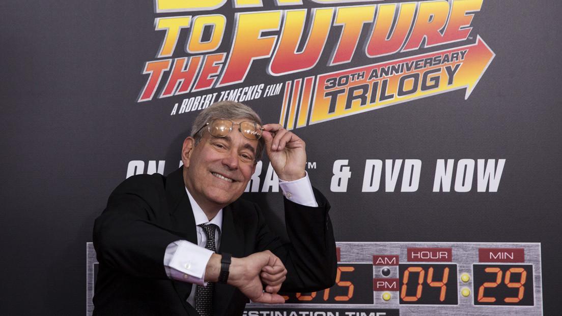 """""""Usted no vendería a sus hijos a la prostitución"""": el guionista de 'Volver al futuro' explica por qué no habrá nuevas películas de la serie"""