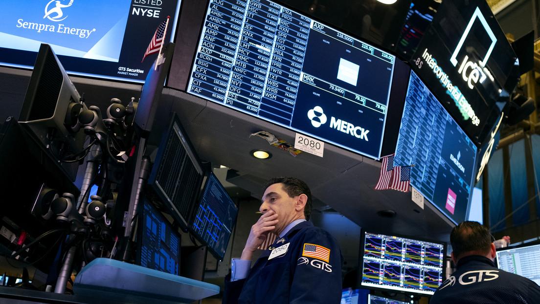 Otros 1.200 puntos menos: el Dow Jones pierde un máximo histórico de puntos en un día ante el temor por el coronavirus