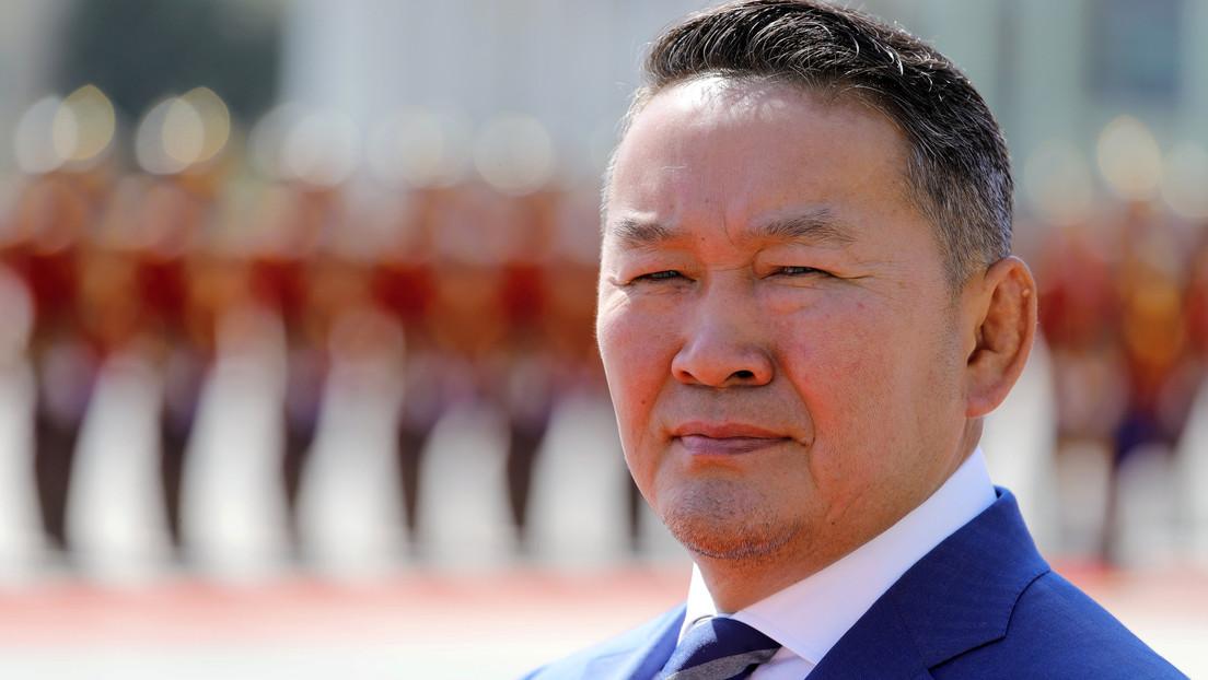 El primer mandatario extranjero en visitar China tras el brote del coronavirus es puesto en cuarentena de 14 días tras regresar a su país