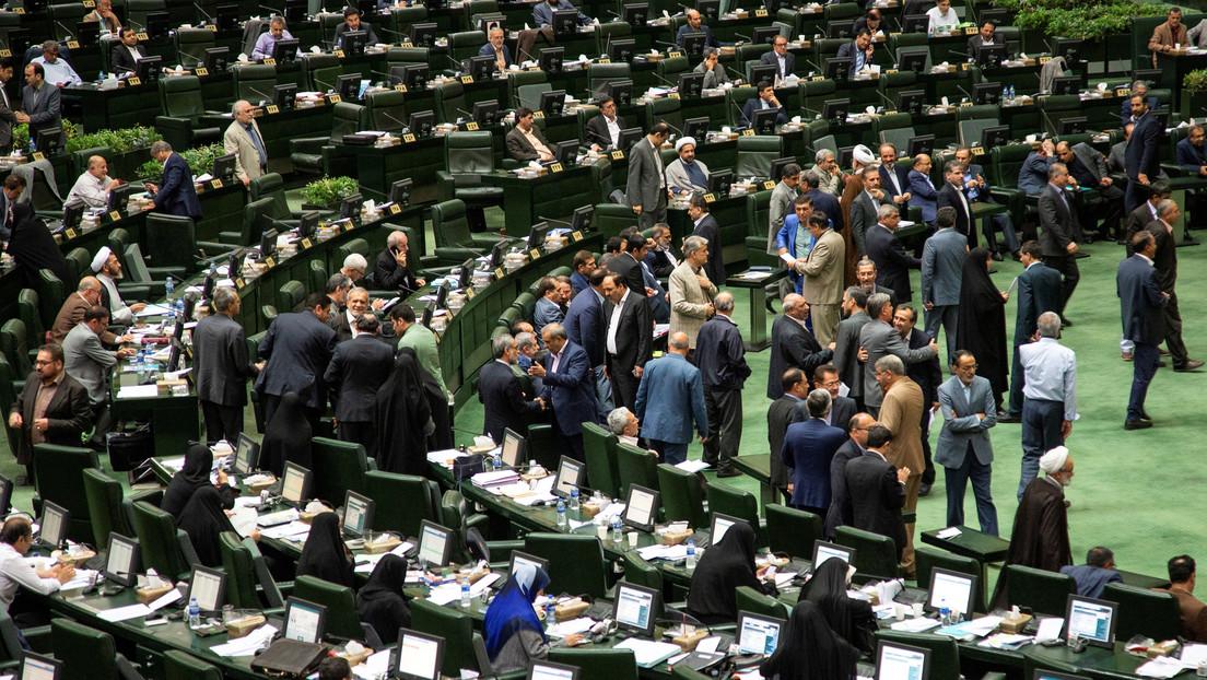 El Parlamento de Irán interrumpe su trabajo por la propagación del coronavirus en el país