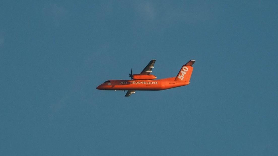 VIDEO: Pasajeros graban desde la cabina el aterrizaje de emergencia de un avión con un motor fallido