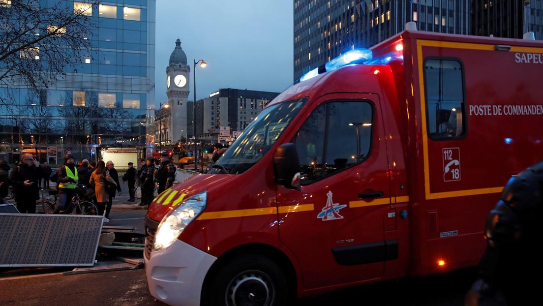 VIDEOS: Gran incendio en las cercanías de la estación de tren Lyon de París