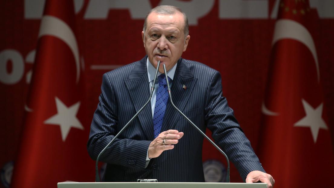 """Erdogan afirma que le pidió a Putin que dejara a Turquía """"cara a cara"""" con Siria"""