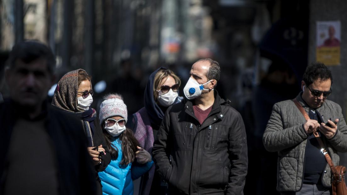 """Ministerio de Salud de Irán afirma que """"decenas de miles"""" de ciudadanos pueden someterse a la prueba del coronavirus"""