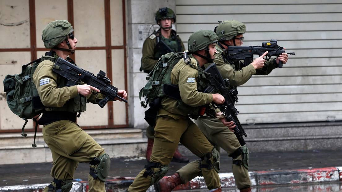 Hieren de bala a niño árabe